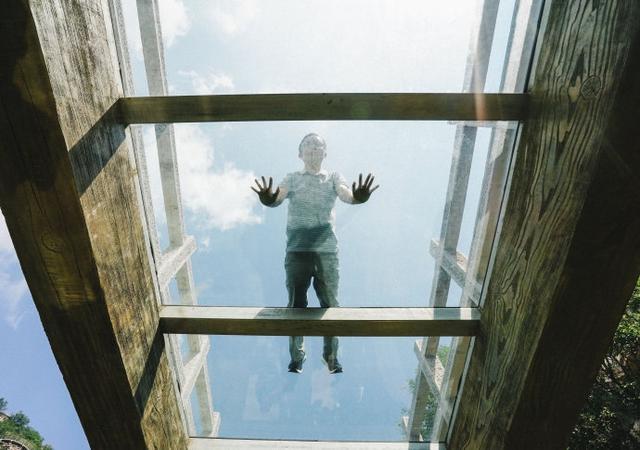 吓哭无数人的玻璃栈道