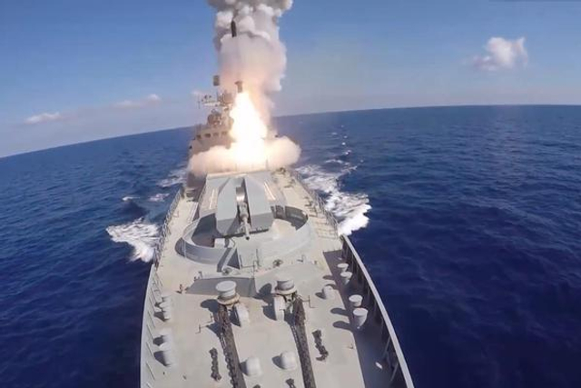 俄海军向叙利亚发射6枚导弹