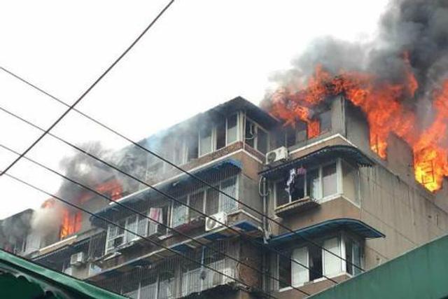 成都磨子巷3号院发生火灾