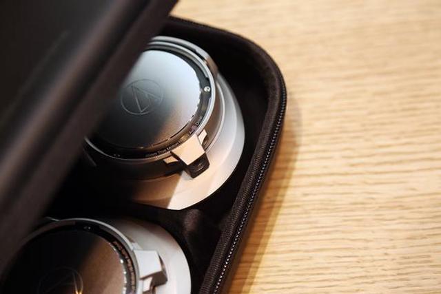 铁三角SR9便携头戴耳机开箱