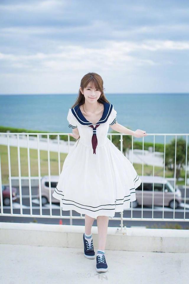 韩国第一美少女穿水手服